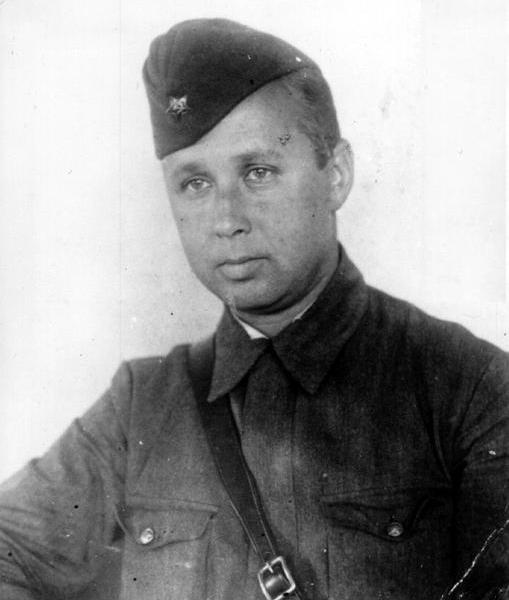 4.М.Л.Миль в период командировки в действующую армию. 1941 г.