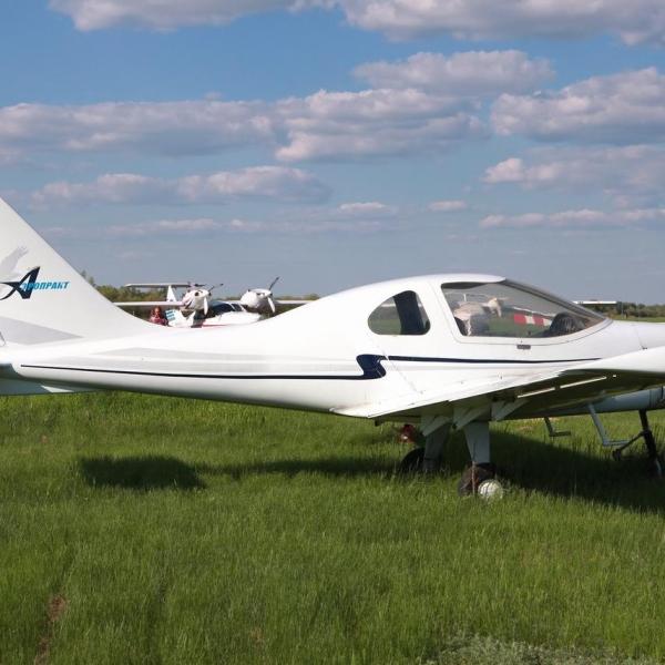 5.Легкий самолет А-33.