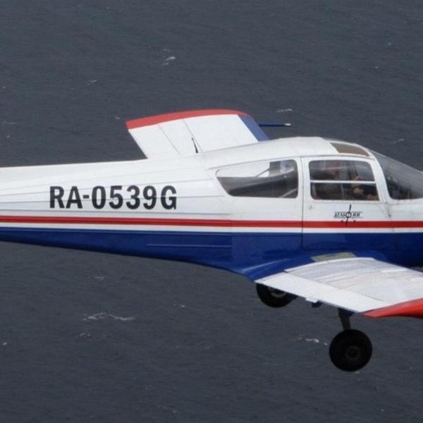5.Самолет Дельфин-3 в полете.