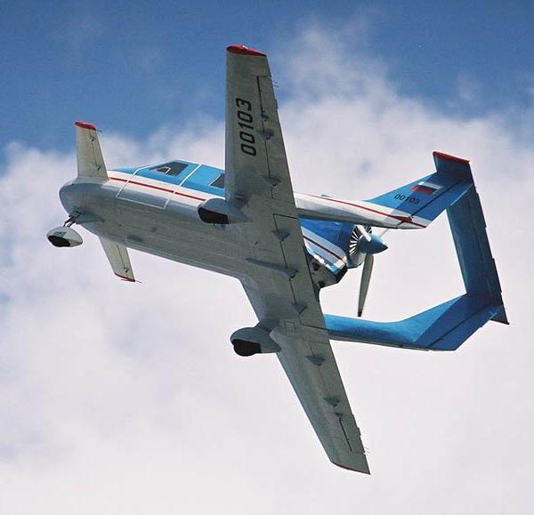 5.Самолет Молния-1 после взлета.