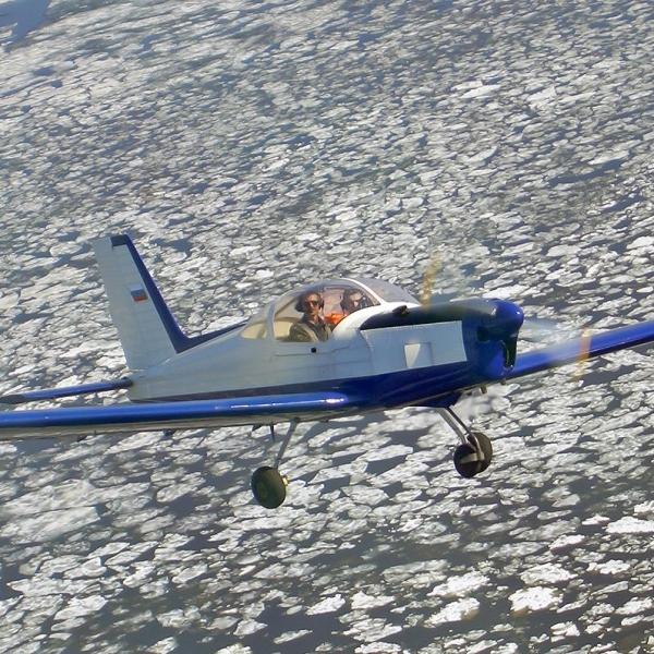 6.Дельфин-2 в полете.