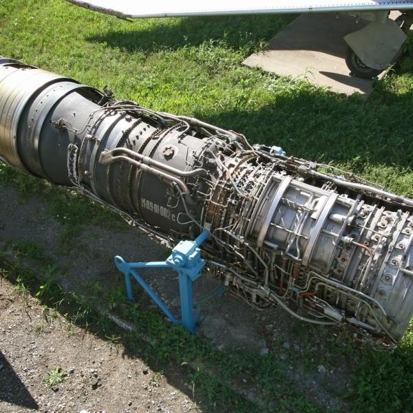 6.Двигатель АЛ-21Ф в экспозиции музея.