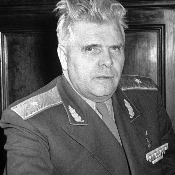 6.Генерал-майор М.В.Водопьянов.