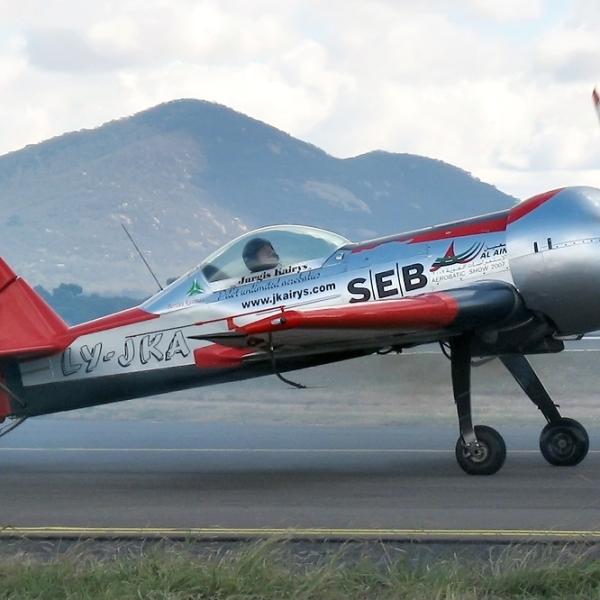 6.Пилотажный самолет МАИ-900 Акробат.