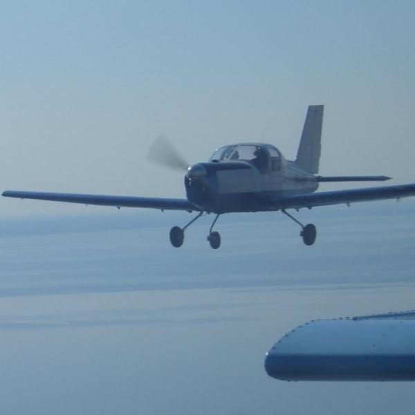 6.Самолет Дельфин-4 в полете.