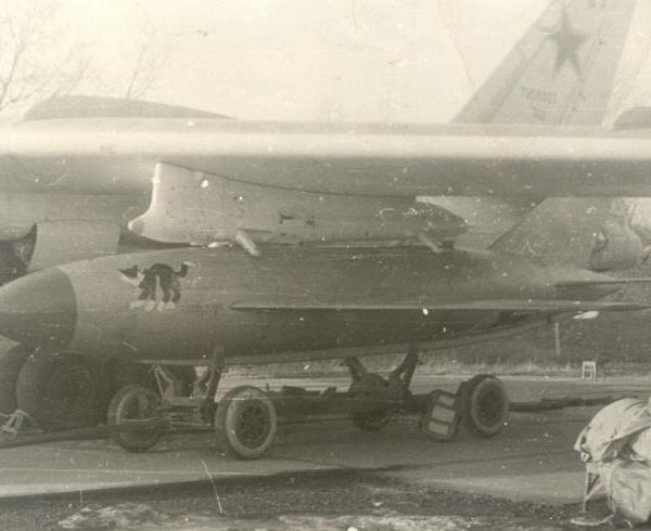 7.Подвеска КСР-2 на Ту-16.