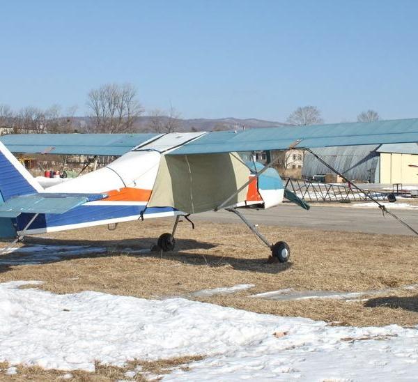 7а.Самолет СЛ-90 Леший на стоянке.