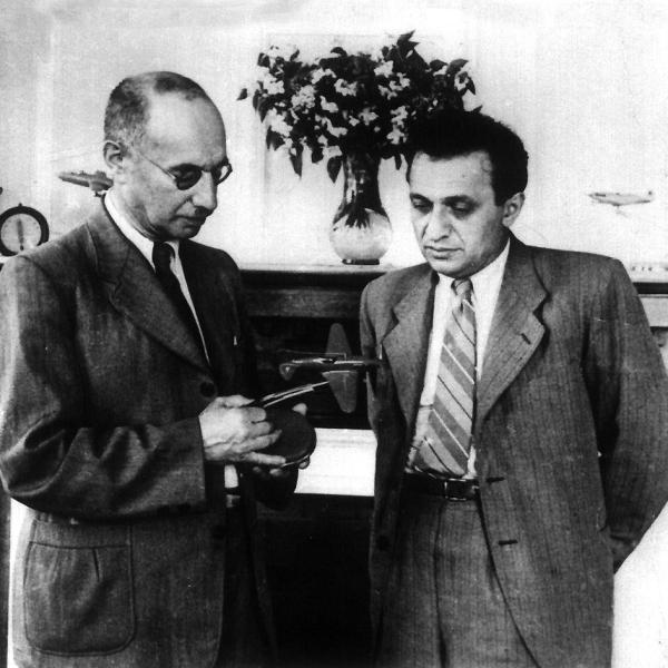 М.И.Гуревич и А.И.Микоян.