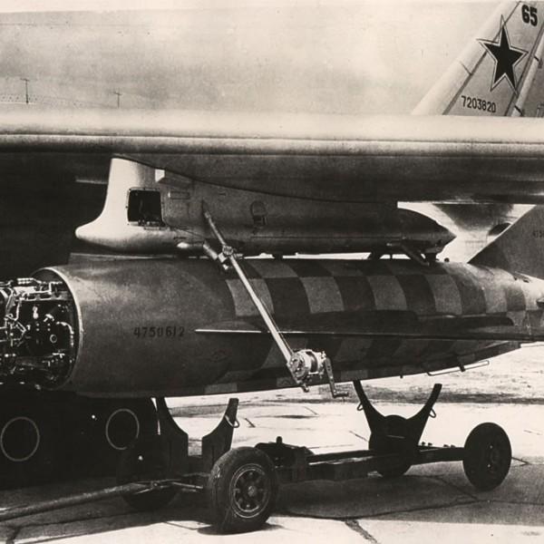 raketa-ksr-2-s-raskapotirovannoj-gsn