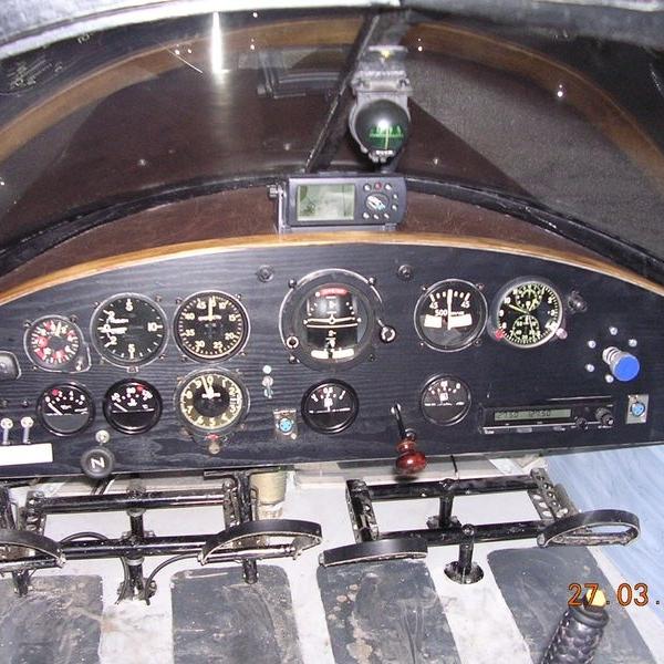 11.Приборная панель самолета Ф-3.