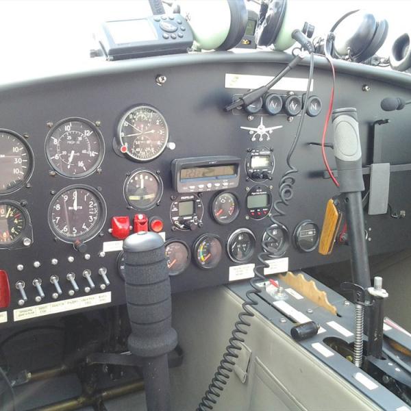 13.Кабина самолета Ф-007.