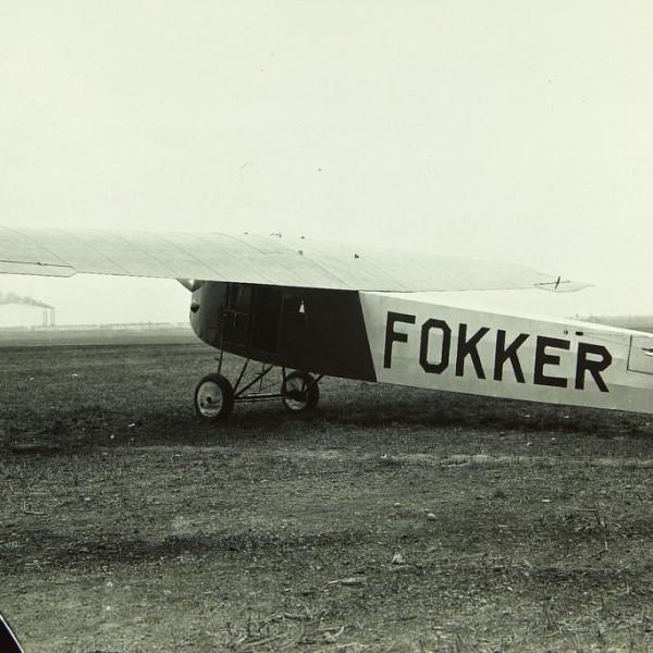 2.Легкий пассажирский самолет Fokker F.III.
