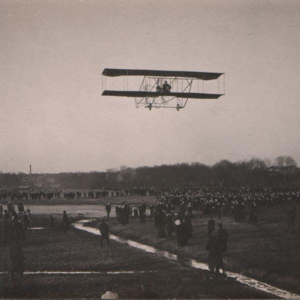 2.Полет летчика В.Ф.Смит на 1-ом экземпляре самолета Соммер.