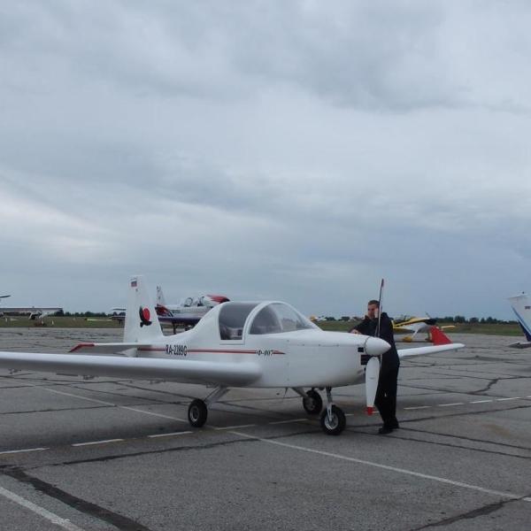 3.Легкий самолет Ф-007.