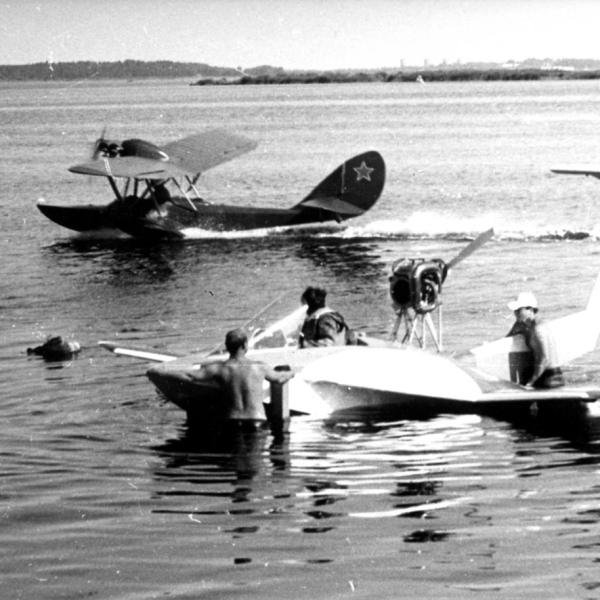 4.Самолет-амфибия Р-01 Роберт.