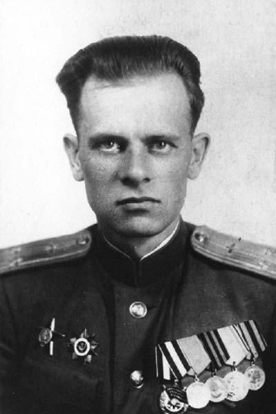 1.Подполковник Г.А.Седов.