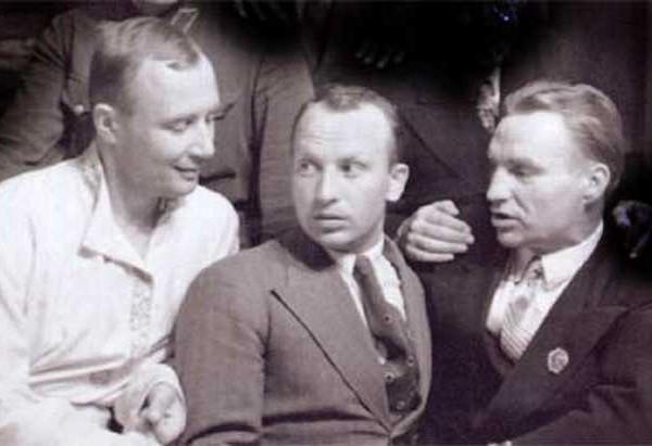 2.А.В.Беляков, Г.Ф.Байдуков, В.П.Чкалов.