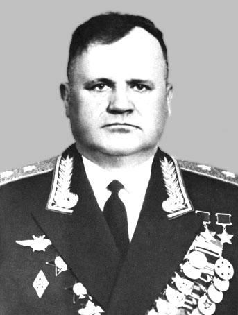 2.Дважды Герой СССР Гулаев Николай Дмитриевич.