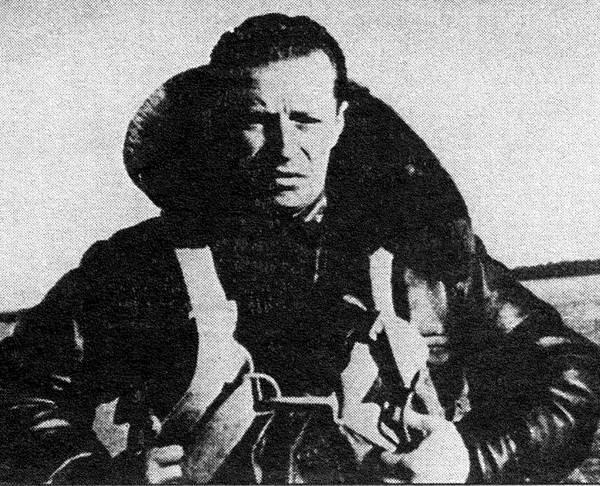 3.М.М.Громов накануне старта Москва-Северный полюс-США на самолете АНТ-25.