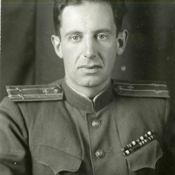 3.Подполковник ВВС М.Л.Галлай.