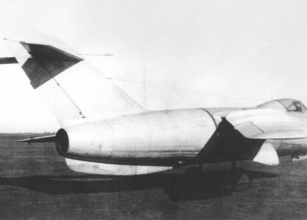 4.Истребитель Ла-176.