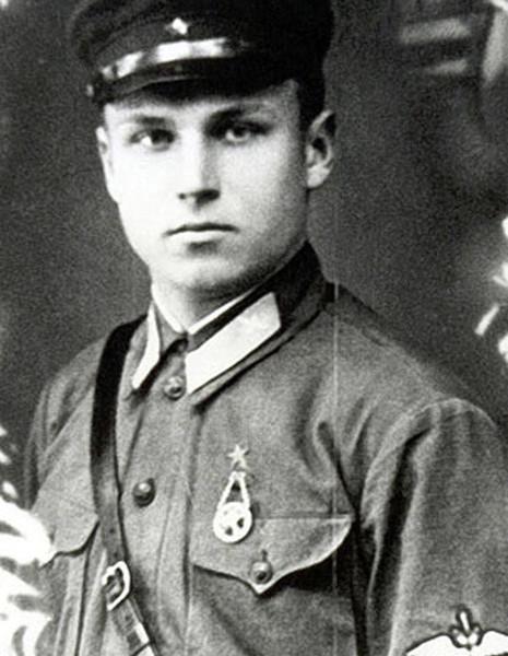 Гвардии ст.лейтенант А.К.Горовец