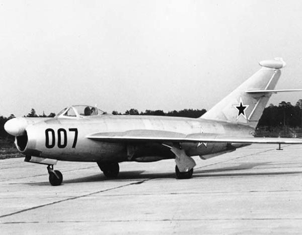1.МиГ-17 (СДК-5)