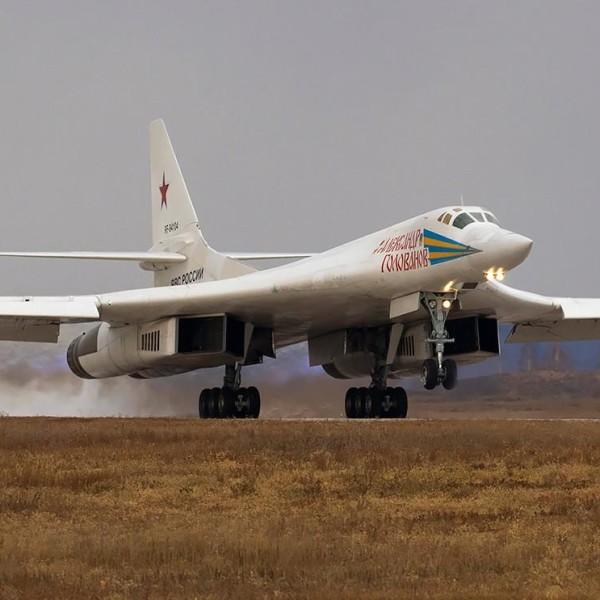 2а.Ту-160 взлетает.
