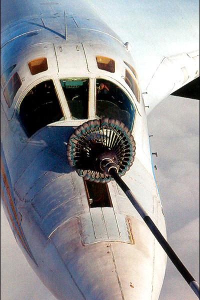 4в.Процесс дозаправки Ту-160.