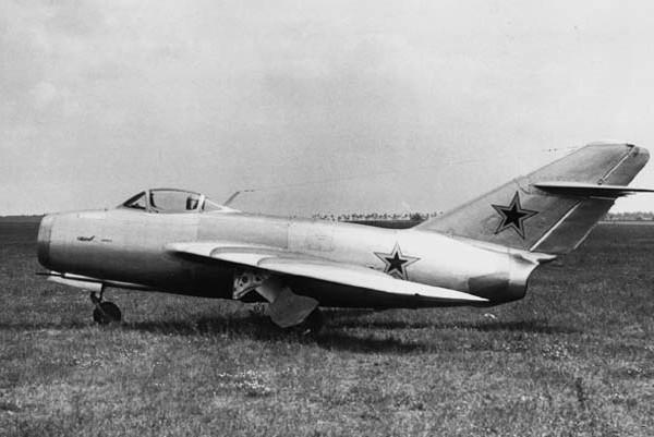 1.Прототип МиГ-15Рбис (СР).