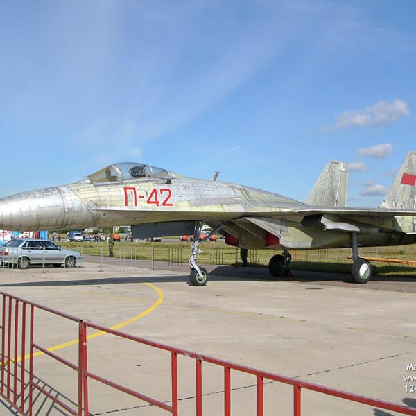 3.Т-10-15 на аэродроме Раменское, 2004 г.