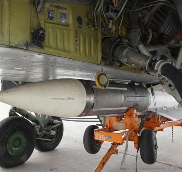 4.Подвеска ракеты Р-33 под самолет МиГ-31.