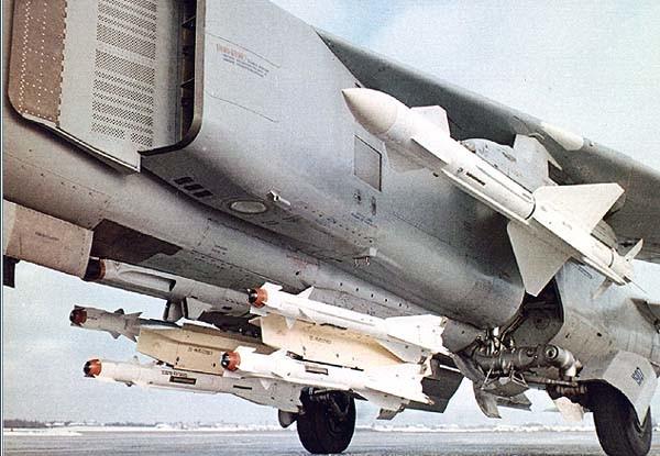 Р-23Р на пусковом устройстве АПУ-23М1 истребителя МиГ-23.