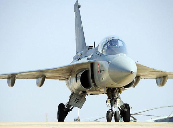 5.Ракеты Р-73Э под истребителем Tejas, ВВС Индии.