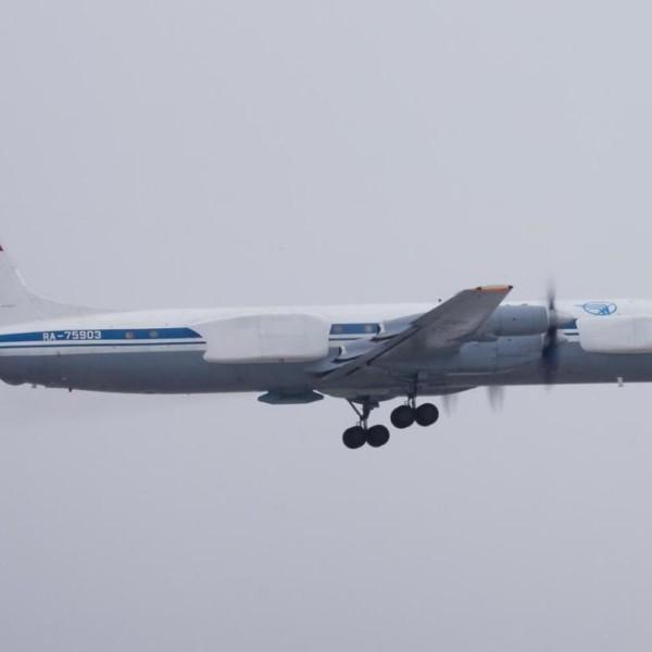 7.Ил-22ПП после взлета.