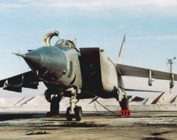 2.МиГ-25БМ на стоянке.