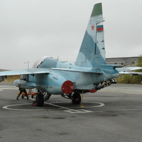 Су-25УТГ на стоянке.