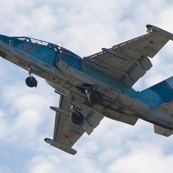 Су-25УТГ после взлета.