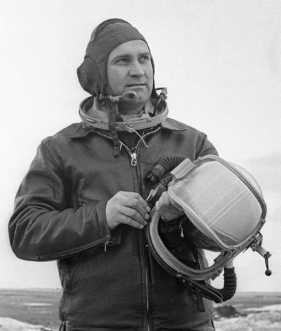 Летчик-испытатель А.В.Федотов.