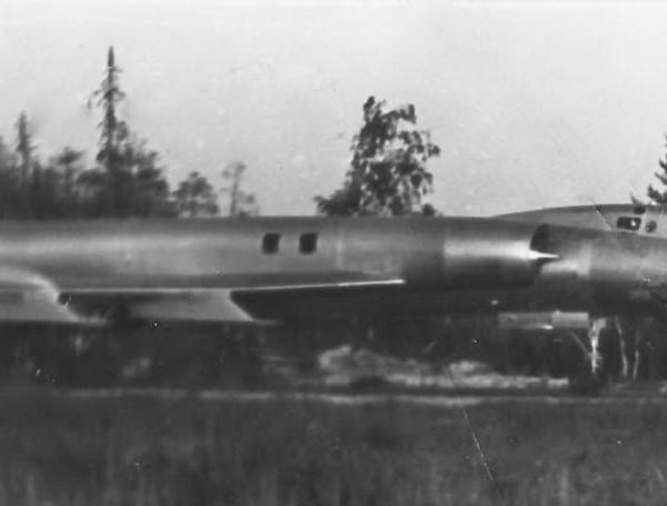 Учебно-тренировочный самолет Ту-128УТ.