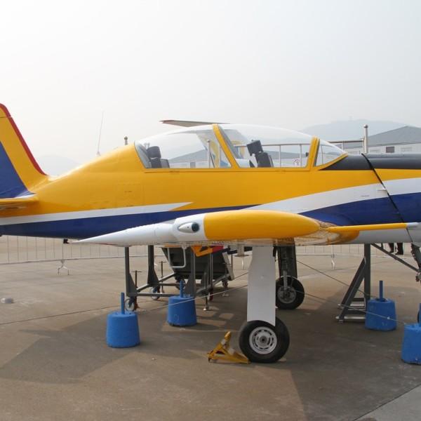 kitajskij-prototip-yak-152-hongdu-l-7